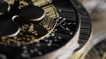 rotierende Aufnahme von Bitcoins (digitale Kryptowährung) - Bitcoin-Welligkeit 0074