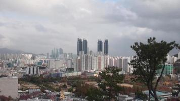 paysage de busan depuis un point culminant video