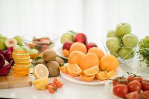 una variedad de fruta fresca