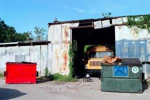 autobuses y contenedores de basura de nueva orleans