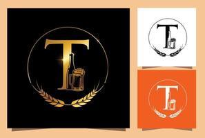 vaso de oro y botella de cerveza monograma letra t vector