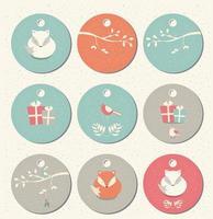colección de 9 etiquetas redondas de regalo de navidad y año nuevo con zorros, pájaros y ramas