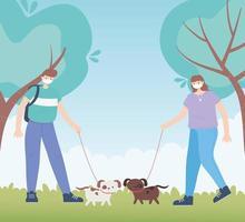 personas con mascarilla médica, hombre y mujer caminando con perros en el parque, actividad de la ciudad durante el coronavirus vector