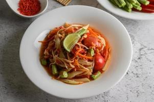 ensalada tailandesa de papaya foto
