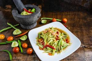ensalada y salsa