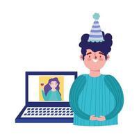 Fiesta en línea, cumpleaños o reunión de amigos, hombre hablando con mujer en celebración de computadora del sitio web