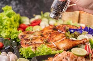 pollo a la plancha con ajo y pimientos