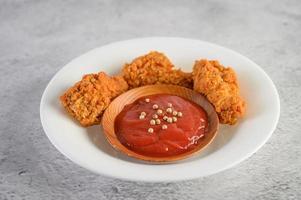 Pollo frito crujiente foto