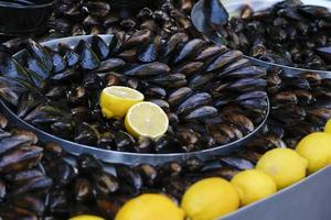 Turkish rice-stuffed mussels