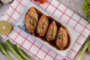 plato de calamar relleno foto