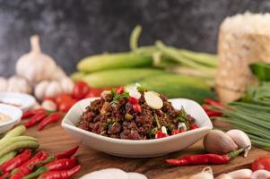Spicy minced meat made from raw meat