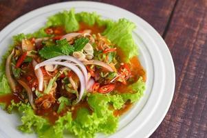 ensalada picante de sardinas en salsa de tomate