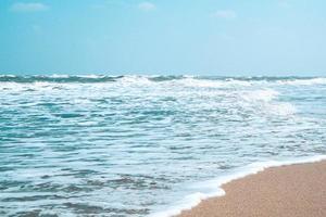 olas oceánicas durante el día