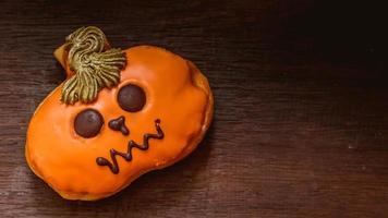 donut decorado con calabaza foto