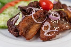 Fried pork salad