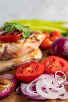 Grilled chicken and vegetables