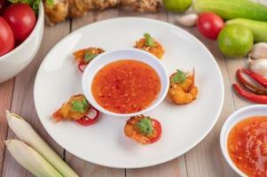 camarones fritos y salsa foto