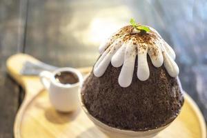 Chocolate bingsu dessert