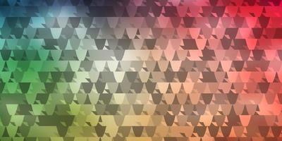 diseño de vector verde claro, rojo con líneas, triángulos.