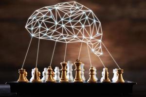 tablero de ajedrez con gráfico de cerebro foto