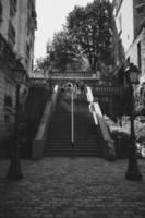escala de grises de escaleras foto