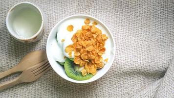 vista superior del cereal de hojuelas de maíz