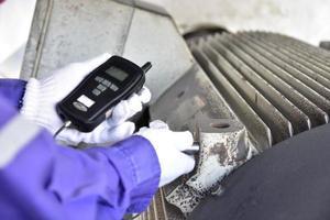 Handheld vibration measuring tool photo