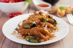 patas de pollo frito con hierbas
