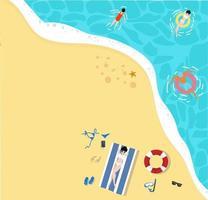 La gente se relaja en la playa de vacaciones en un fondo de vista superior