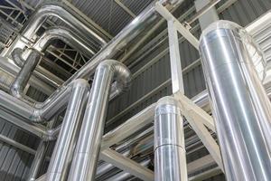 tubos de zona industrial foto