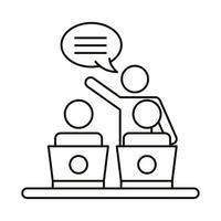 tres empleados de coworking con computadoras portátiles hablando
