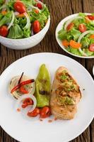 Grilled chicken with grilled vegetables and salad