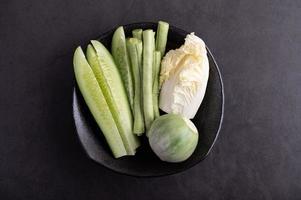 pepino, judías verdes, berenjena tailandesa y col blanca