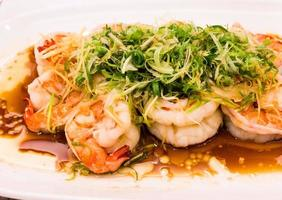 Stir fried shrimp with salad