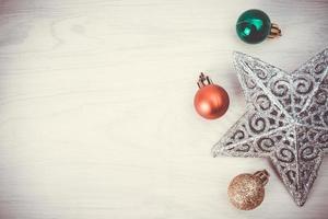 adornos y adornos navideños