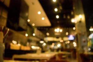 Escena borrosa del restaurante