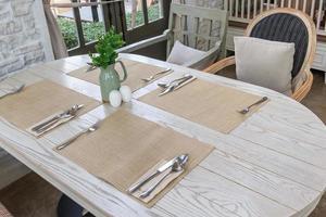 manteles individuales en la mesa