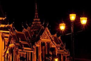 wat phra kaeo en la noche