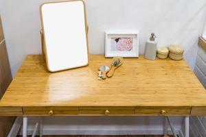 espejo en la mesa foto