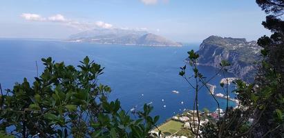 paisaje marino en la isla de capri foto