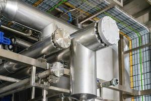 zona industrial con tubos foto