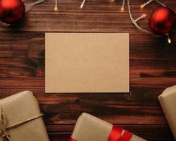 plantilla de maqueta de tarjeta de felicitación navideña de papel kraft