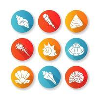 diseño plano de conchas de mar larga sombra glifo conjunto de iconos vector
