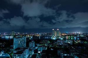 ciudad de bangkok en la noche