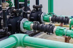 sistema de tubería de agua verde