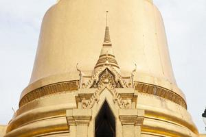 pagoda en wat phra kaew en tailandia