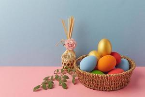 huevos y decoración de pascua foto