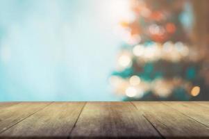 mesa y bokeh de navidad