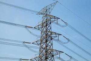 torre de alta tensión en tailandia foto