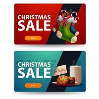 dos pancartas navideñas de descuento con galletas con un vaso de leche para santa claus y medias navideñas. Banners horizontales rojos y azules aislados sobre fondo blanco vector